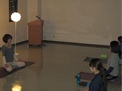 院内でのヨガ・華道の無料サークル開催